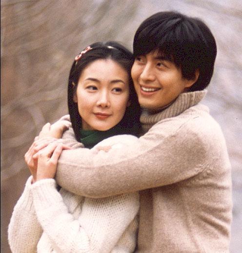 裴勇俊崔智友结婚照_张杰谢娜结婚照片图片分享