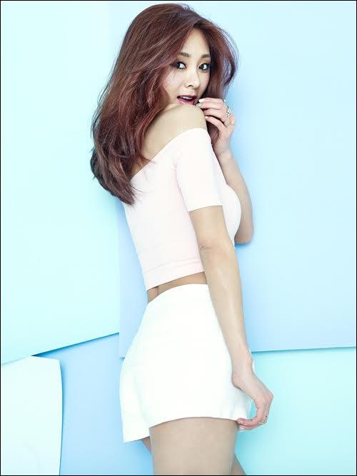가수 지나가 오랜 만에 근황을 전했다.ⓒ 뮤직스토리