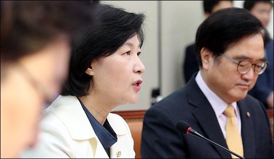 추미애 더불어민주당 대표가 10일 오전 국회에서 열린 최고위원회의에서 이야기 하고 있다. ⓒ데일리안 박항구 기자