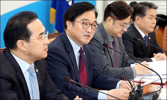 우원식 더불어민주당 원내대표가 11일 오전 국회에서 열린 정책조정회의에서 이야기 하고 있다. ⓒ데일리안 박항구 기자