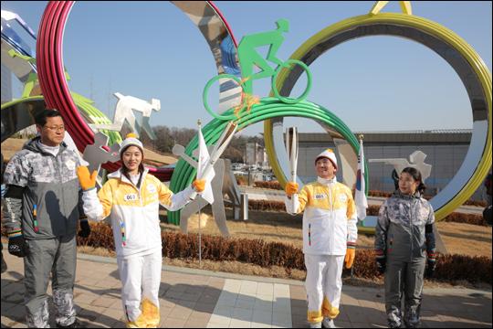 대한체육회 성화 봉송. ⓒ 평창동계올림픽 조직위원회