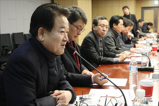 정동영 국민의당 의원이 12일 오전 국회 의원회관에서 열린 국민의당지키기운동본부 전체회의에서 발언을 하고 있다.(자료사진)ⓒ데일리안 홍금표 기자