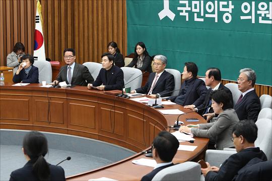 12일 국회에서 국민의당 의원총회가 열리고 있다. ⓒ데일리안 홍금표 기자