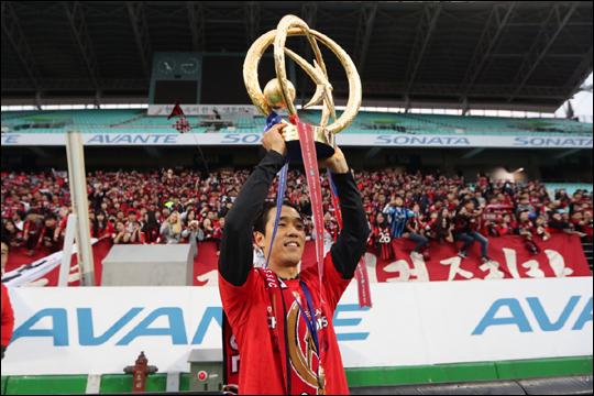 FC서울과 재계약을 마무리한 박주영이 스페인 전지훈련을 떠나기 전 구단과 팬들에 대한 감사의 마음을 전했다. ⓒ FC서울