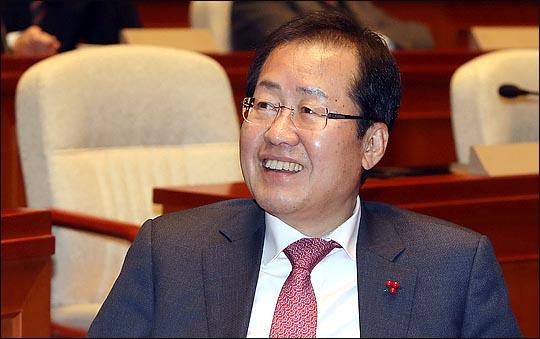 홍준표 자유한국당 대표가 지난해 12월 29일 오전 국회에서 열린