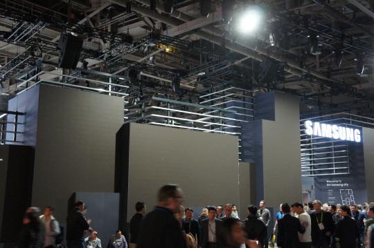 정전으로 불꺼진 라스베이거스컨벤션센터(LVCC) 센트럴홀 내부.ⓒ데일리안 이홍석기자