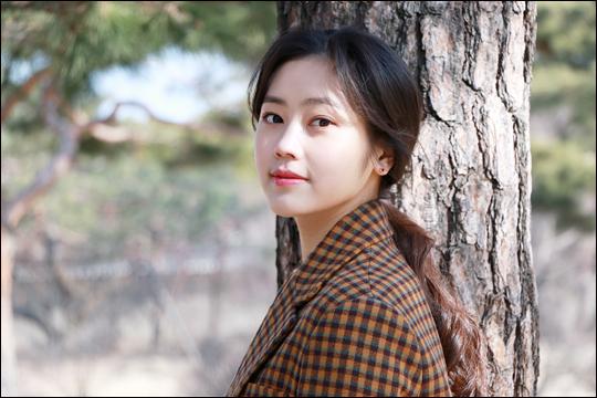 """신인 배우 최리는 """""""