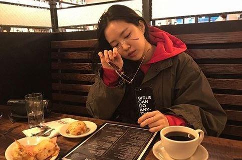 걸그룹 에이핑크 멤버 손나은이 때아닌 사진 논란에 휩싸였다. ⓒ 손나은 SNS
