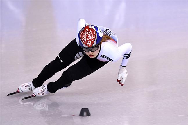 쇼트트랙 여자 500m 결승에서 실격 당한 최민정. ⓒ 2018평창사진공동취재단