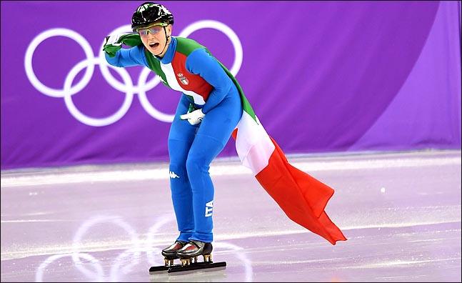 13일 오후 강원도 강릉아이스아레나에서 열린 2018평창동계올림픽 쇼트트랙 여자 500m 결선 경기에서 이탈리아 아리아나 폰타나가 1위를 한 후 기뻐하고 있다. ⓒ2018평창사진공동취재단