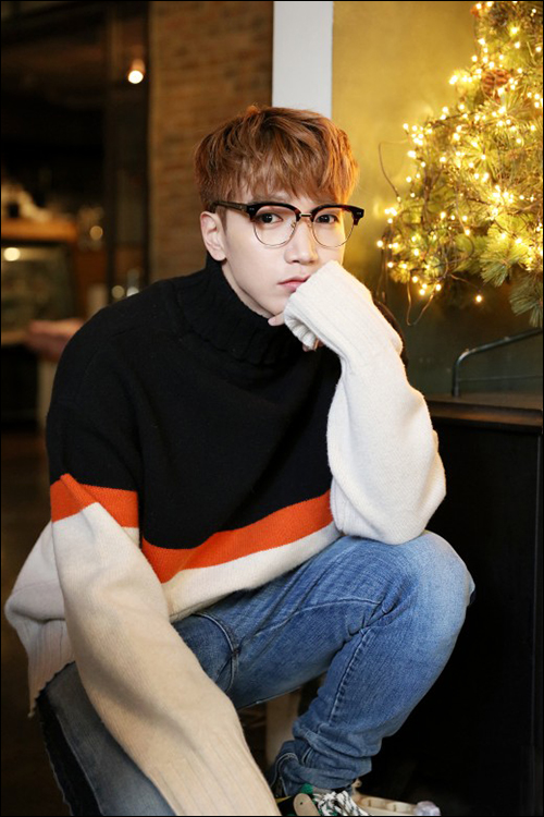 """음주 운전으로 적발된 그룹 2PM 멤버 준케이(본명 김민준·30)가 """"향후 모든 활동을 중지하겠다""""고 사과했다.ⓒJYP"""
