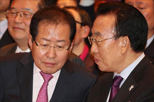 홍준표 자유한국당 대표와 김관용 경북도지사. (자료사진) ⓒ데일리안 홍금표 기자
