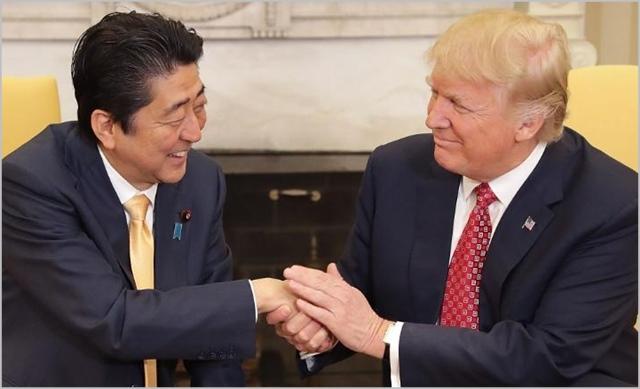 아베 신조 일본 총리와 도널드 트럼프 미국 대통령 ⓒCNN 캡처