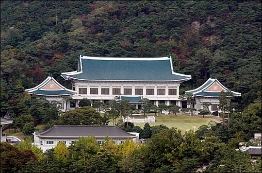 청와대는 16일 북한이 한미 연합공중훈련인