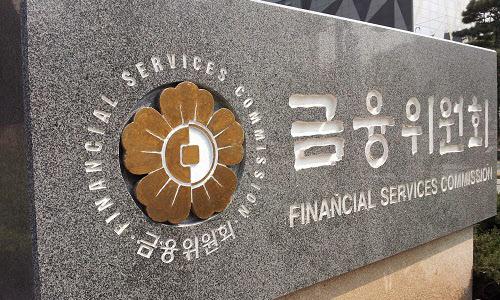 1500조원에 육박한 가계부채와 금리 인상을 앞두고 금융당국이 주담대 규제 회피를 위한 각종 우회대출과 DSR의 형식적 운영에 대해 집중 점검에 나서기로 했다. 아울러 올 하반기부터 적용할 것으로 예상됐던 은행 예대율 규제에 대해서는 추가 부담 등을 감안해 오는 2020년까지 유예기간을 확대 적용하기로 했다. ⓒ금융위원회