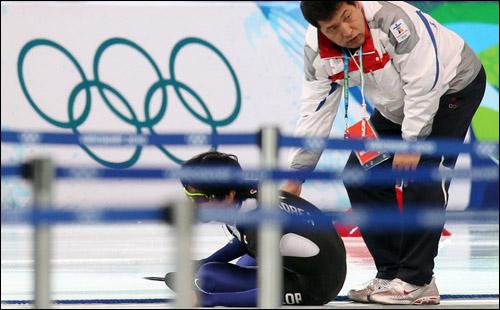 '젊은 빙상인 연대'가 한국체대 교수의 영구제명과 빙상연맹의 관리단체 지정을 요구하고 나섰다. ⓒ 연합뉴스