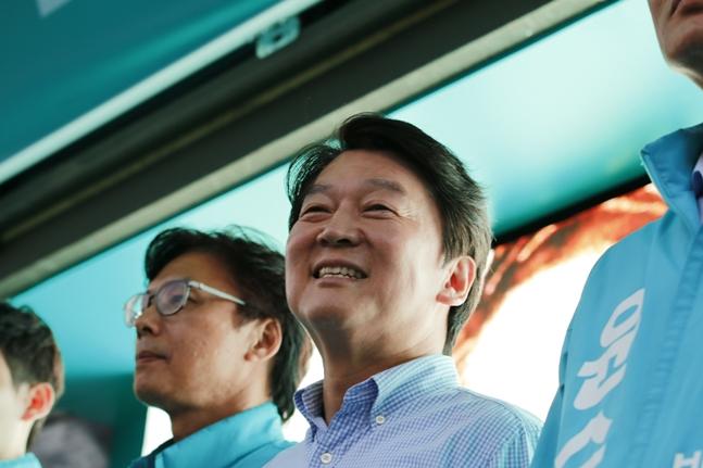 바른미래당 안철수 서울시장 후보가 11일 서울 구로구에서 유세를 펼치고 있다.(자료사진)ⓒ데일리안