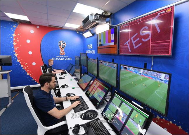 이번 월드컵에서는 사상 처음으로 비디오판독 시스템이 도입된다. ⓒ 게티이미지
