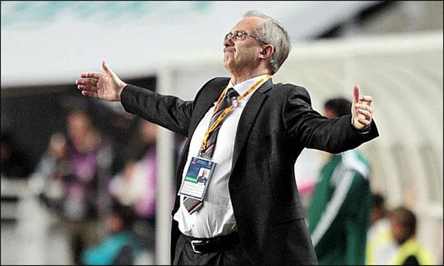 지난해까지 한국 축구대표팀을 이끌었던 울리 슈틸리케 톈진 테다 FC 감독이 스웨덴전을 마친 신태용호에 대해 비관적인 전망을 내놨다. ⓒ 데일리안 박항구 기자