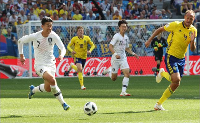 한국 대표팀이 조별리그 1차전에서 뛰어다닌 거리가 32개국 가운데 20번째로 많았던 것으로 집계됐다. ⓒ 연합뉴스