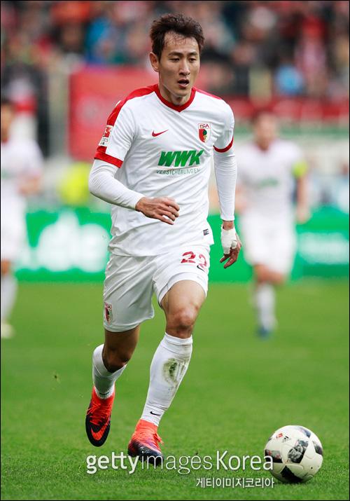 지동원이 독일 2부리그 생활을 마치고 원소속팀인 분데스리가 아우크스부르크로 복귀했다. ⓒ 게티이미지