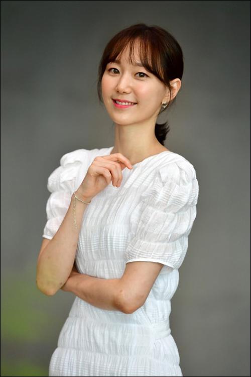 배우 이유영이 지상파 첫 주연을 맡은 소감을 전했다. ⓒ SBS