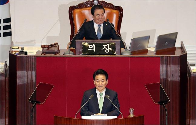 정동영 민주평화당 대표가 13일 오전 열린 국회 본회의에서 비교섭단체 대표 연설을 하고 있다. ⓒ데일리안 박항구 기자