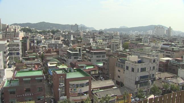 천정부지로 오른 서울 아파트값에 신축빌라가 대체방안으로 수요자들의 선택을 받고 있다. 사진은 서울에 위치한 한 주택 밀집 지역 모습. ⓒ연합뉴스