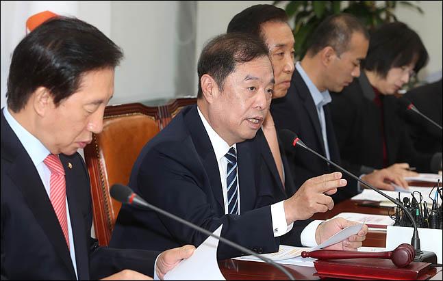 김병준 자유한국당 비상대책위원장이 지난 5일 오전 국회에서 열린 비상대책위원회의에서 발언하고 있다. (자료사진) ⓒ데일리안 박항구 기자