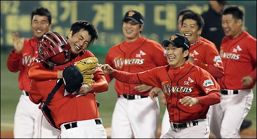 2010년 이후 8년 만에 우승에 도전하는 SK. ⓒ 연합뉴스