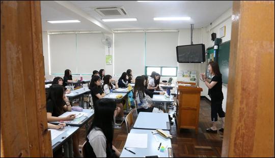 서울시교육청(교육감 조희연)에 따르면 9일 기존의 '스쿨미투 대책반'의 제도나 대책을 피해학생의 관점에서 보다 적극적으로 보완해 공정성과 투명성을 더욱 강화했다. ⓒ연합뉴스