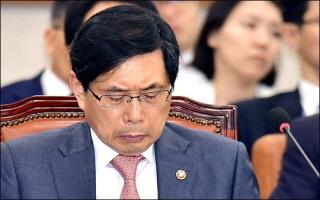 국정원 특활비 의혹, 한국당 '반격'에 검찰까지 확전