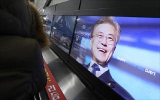 문 대통령 국정지지율 60.8%…소폭 하락