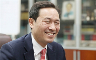 [D-폴리Talk] 86그룹 간판 우상호가 말하는 '지금, 여기, 서울'