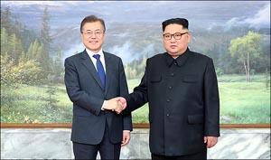 문재인-김정은, 판문점 전격 회동
