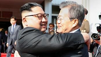 문 대통령, 김정은 위원장과 무슨 얘기 나눴나?