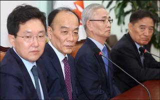 한국당 김병준·전원책 갈등 고조…공천 문제로 결별하나
