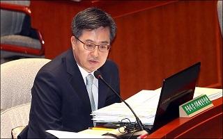 '김동연 교체'에 정치권 우려…