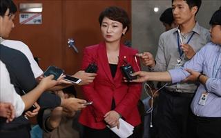 이언주, 한국당行 전망 속 '반문' 집중…'입당' 선긋기