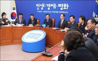 연일 '가짜뉴스' 공세하는 민주당…빌미 준 한국당